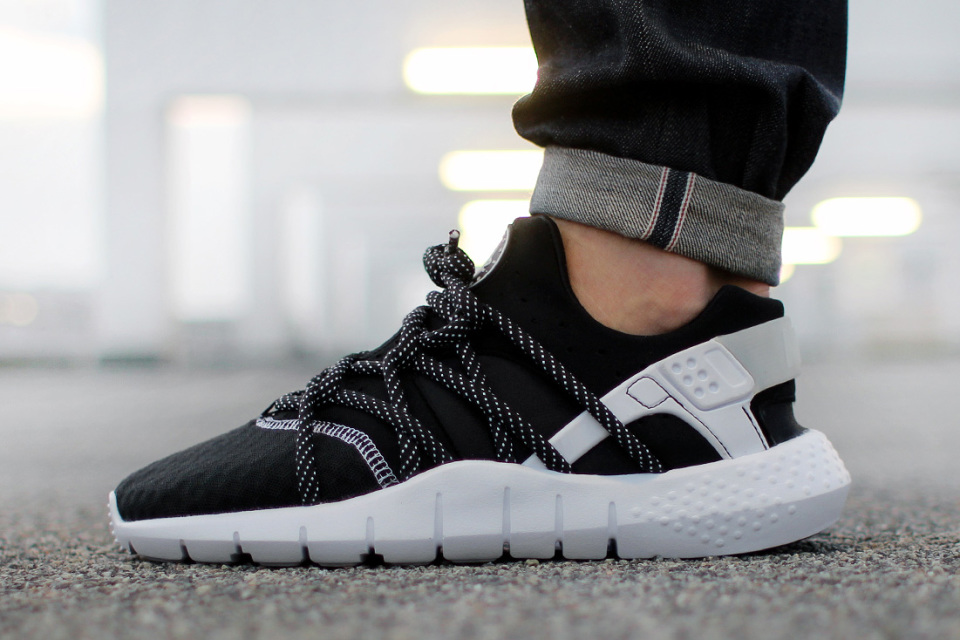 "Nike Air Huarache NM ""Black/White"""