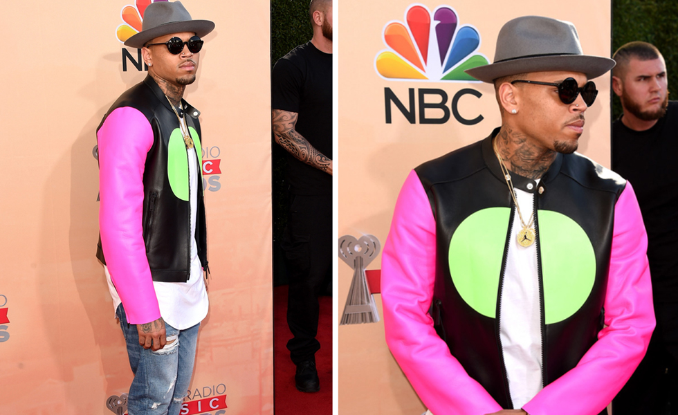 PAUSEorSkip: Chris Brown In Dsquared2 at iHeartRadio Music Awards 2015