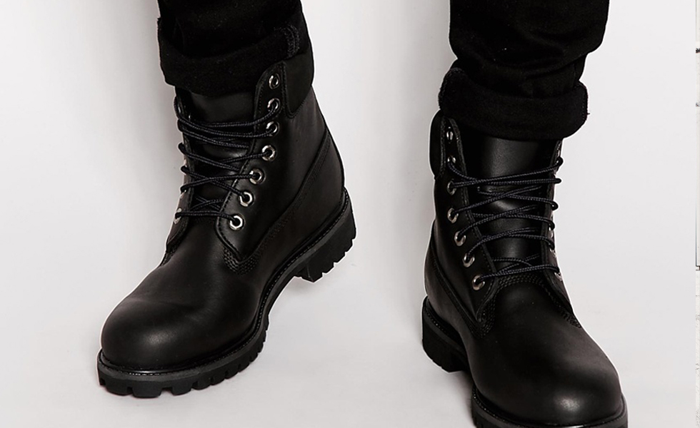 All-Black Leather Timberland Classic 6″ Premium Boots