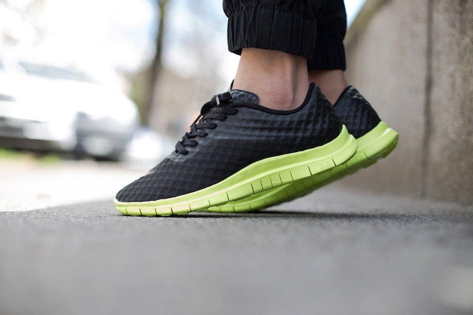 "Nike Free Hypervenom Low ""Black/Volt"" Mesh Sneakers"