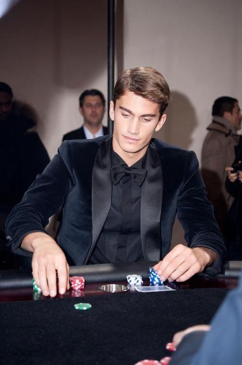 PAUSE Guide: Casino Attire