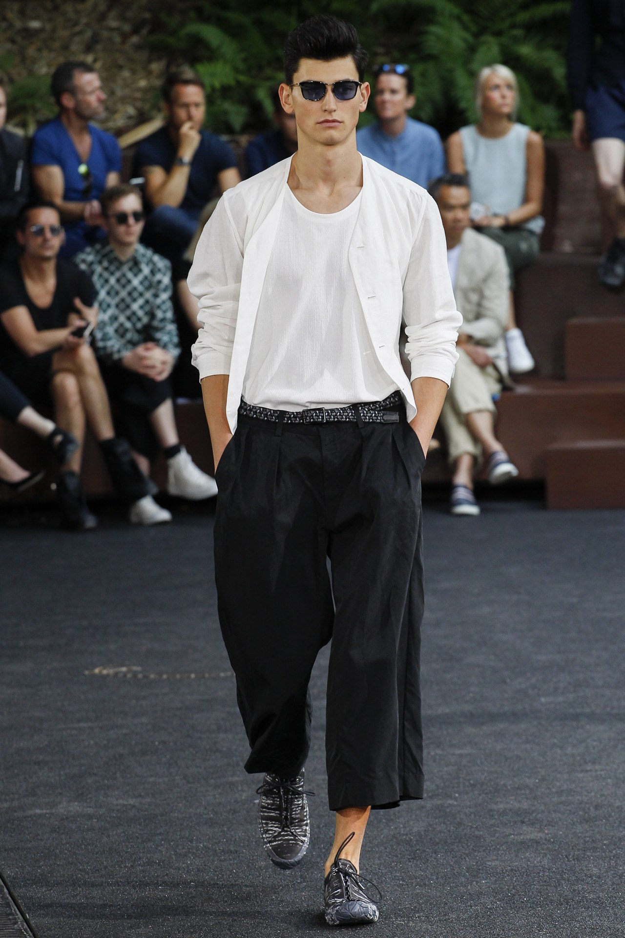 PFW: ISSEY MIYAKE Spring/Summer 2016 Collection