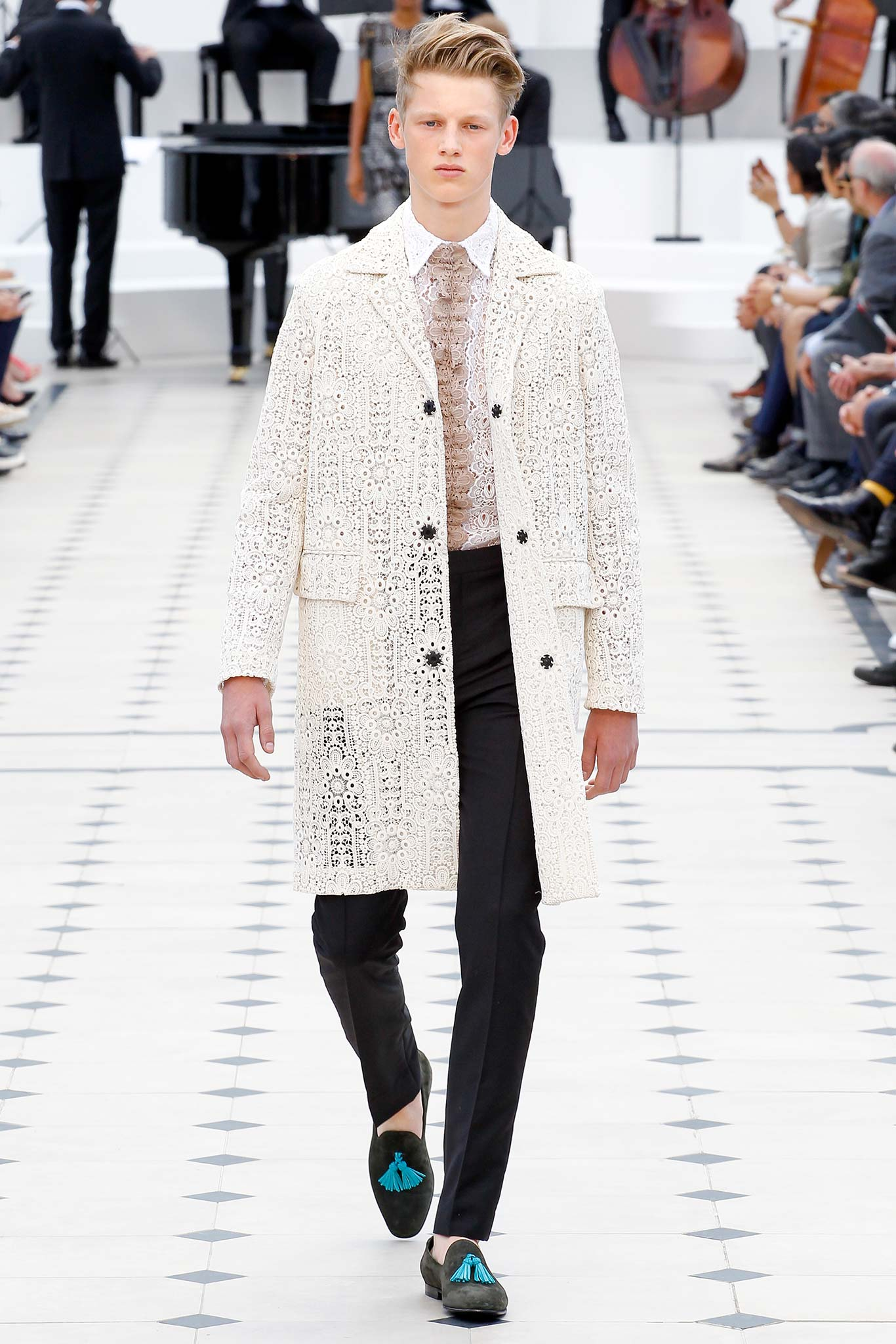 LCM: Burberry Prorsum Spring/Summer 2016 Collection