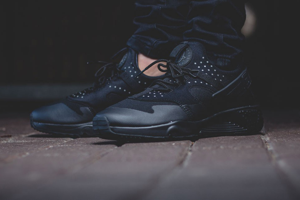 Nike Launches Triple Black Nike Air Huarache Utility