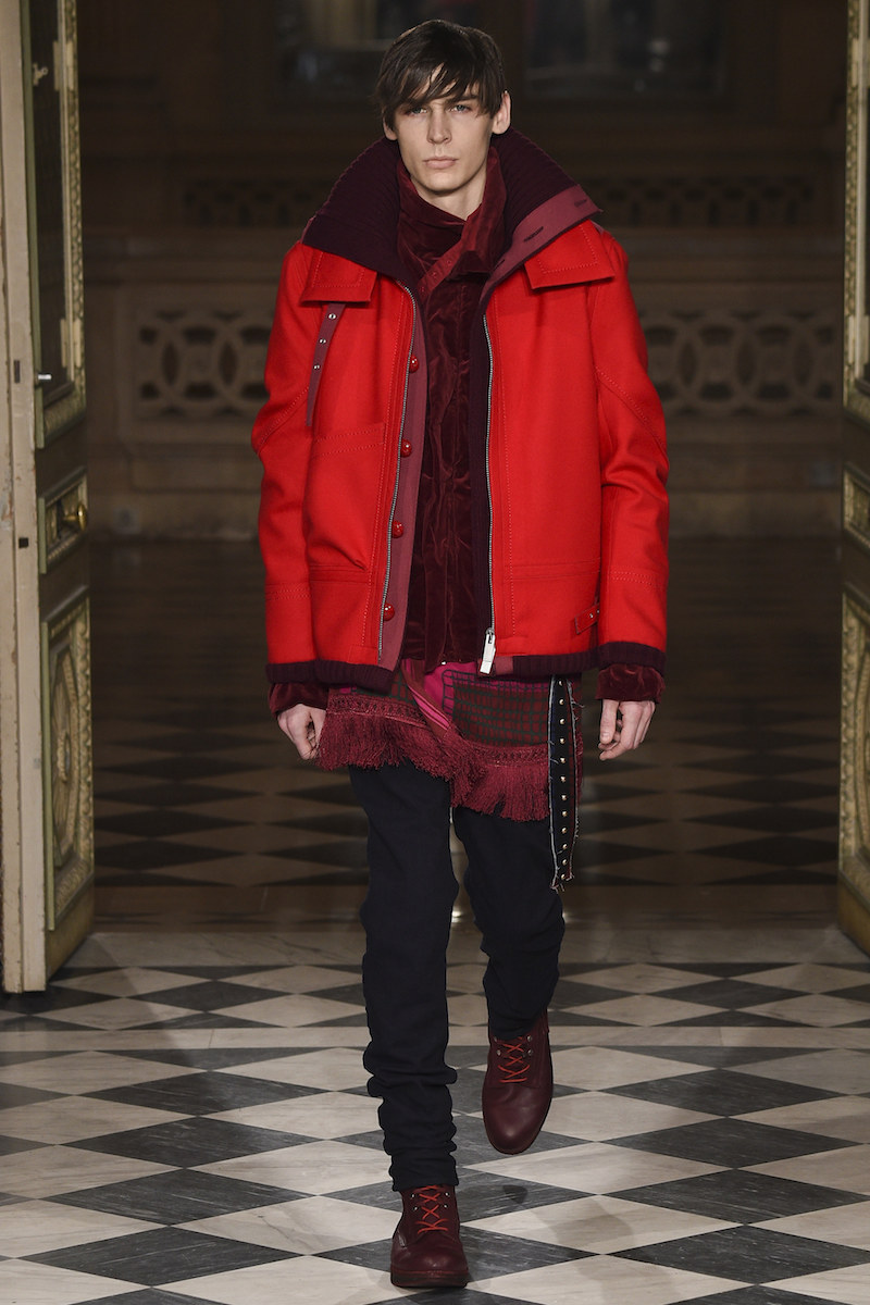 PFW: Sacai Autumn/Winter 2016 Collection