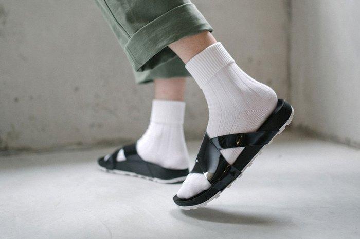 "NikeLab ""TAUPO"" Releases Japanese-Inspired Summer Slides"