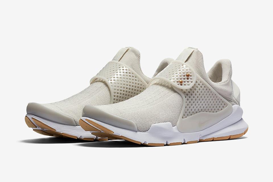 """Sneaker Watch: Nike Sock Dart """"Light Bone"""""""