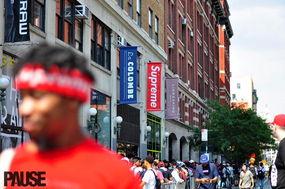 Street Style Shots: Supreme FW16 Launch – New York City