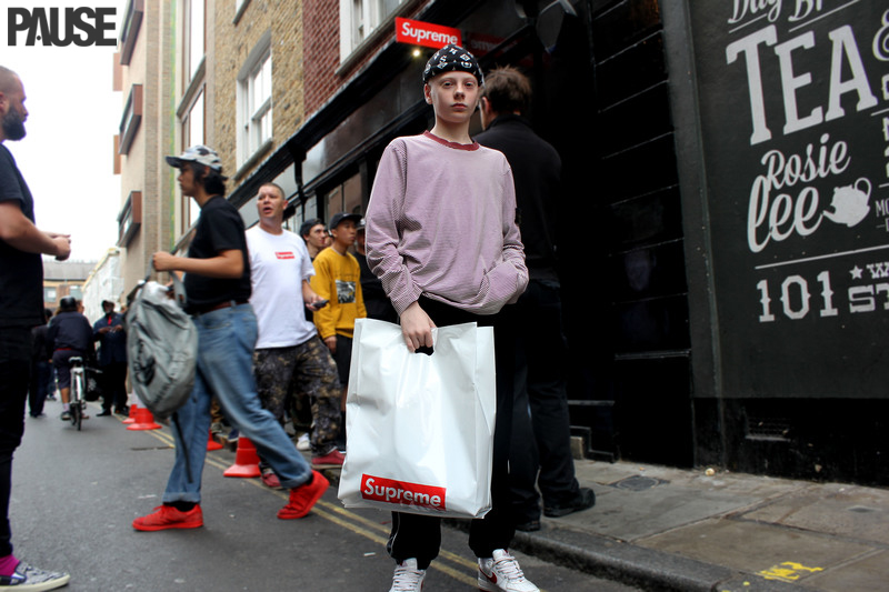 Street Style Shots: Supreme FW16 Launch In London