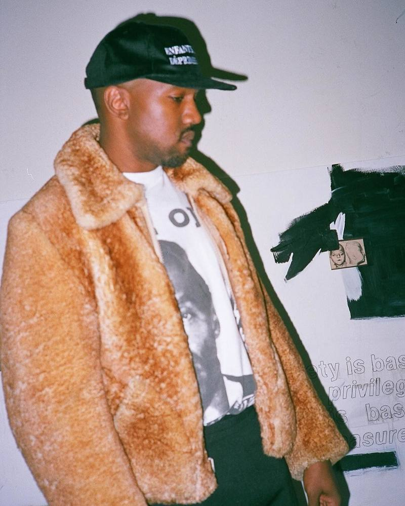 SPOTTED: Kanye West In Enfants Riches Déprimés