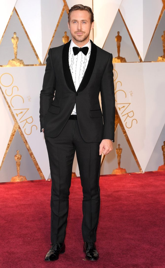 SPOTTED: Ryan Gosling At The Oscars In Gucci Tuxedo, Anto Shirt And Christian Louboutin Shoes