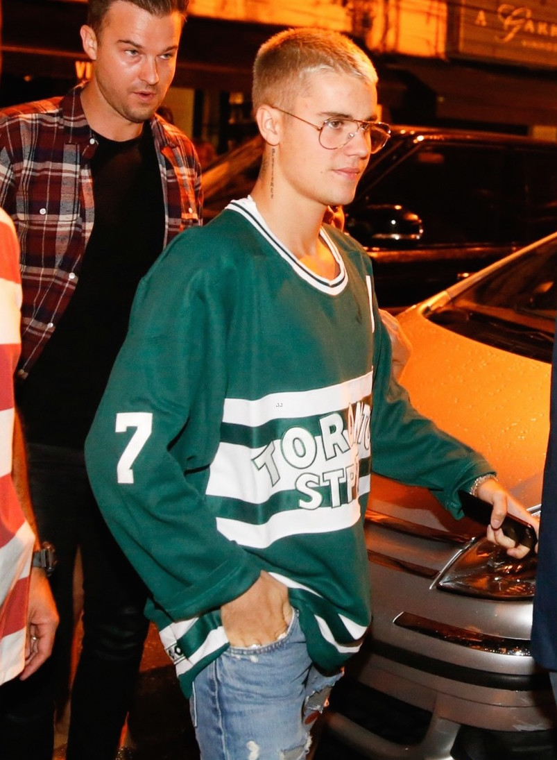 SPOTTED: Justin Bieber In Toronto Maple Leafs St. Pats Jersey, Visitor On Earth Jeans and Adidas Sneakers