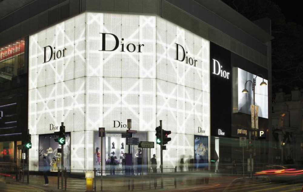 LVMH to Buy the Entire Christian Dior Brand