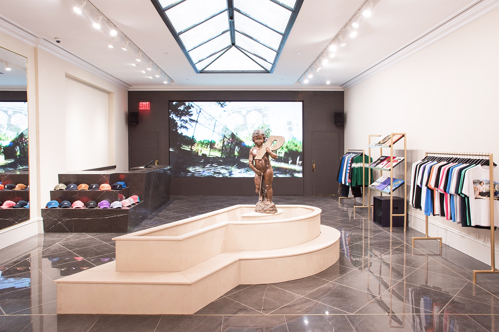 Take A Look A The First Palace Store In New York
