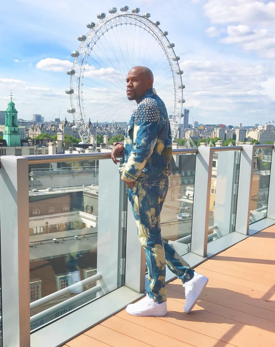 SPOTTED: Floyd Mayweather In Gucci Denim Set And Nike Air Force 1 Sneakers