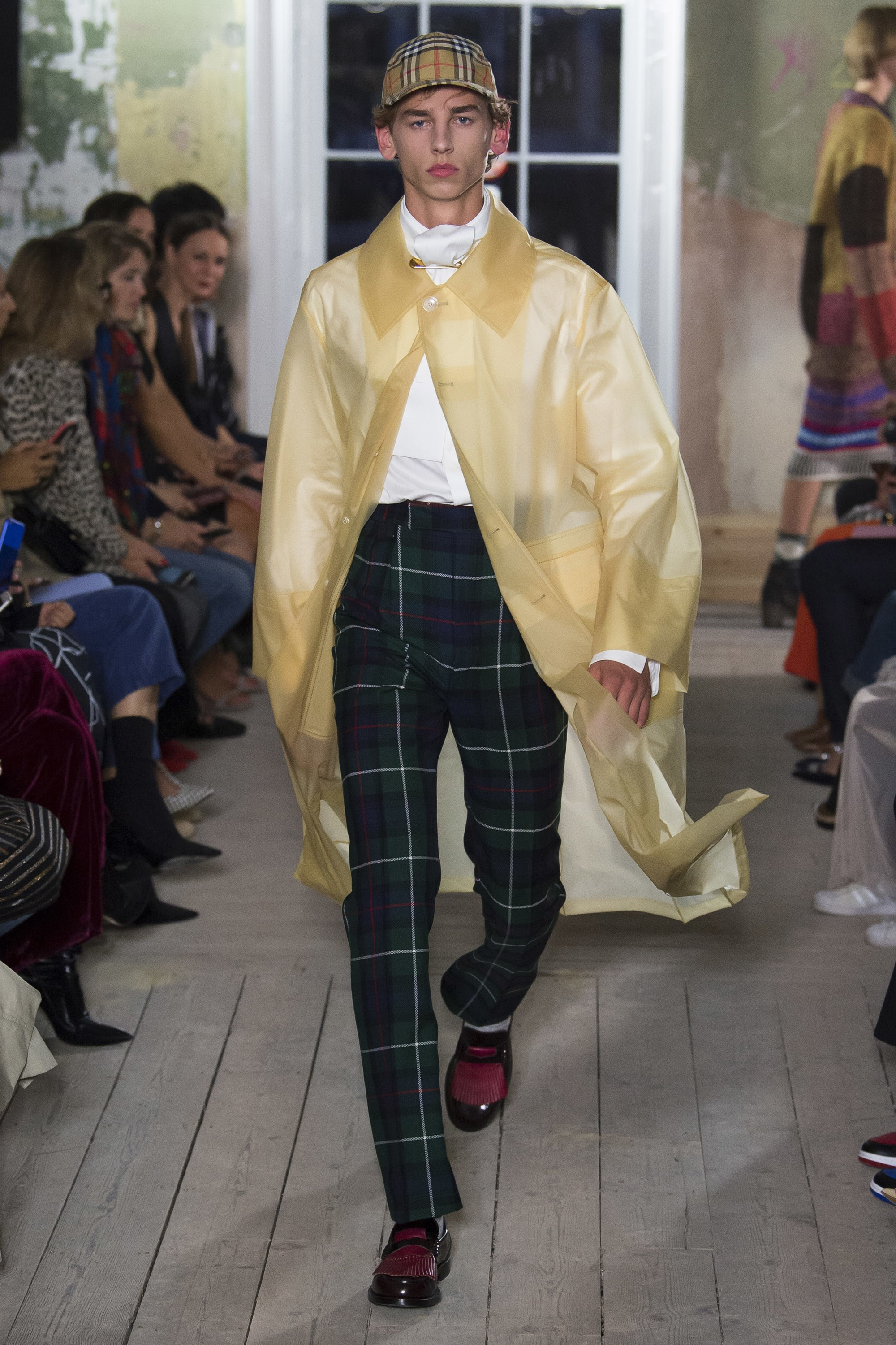 LFW: Burberry Autumn/Winter 2017 Collection