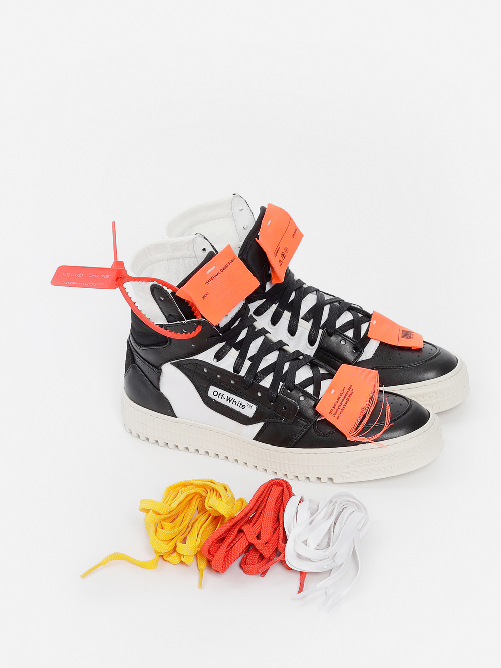 Look at OFF-WHITE C/O VIRGIL ABLOH's Black and White Low 3.0 Sneakers