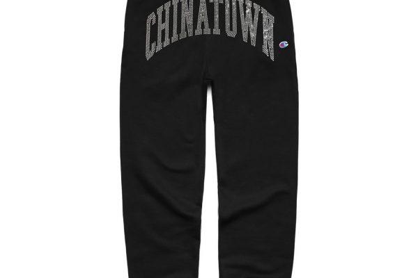 Black-Champion-Sweats-1-4x5_1024x1024