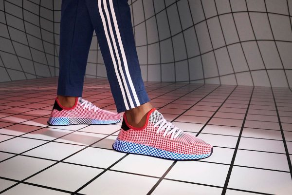 SS18_DEERUPT_QC2624_AC8466_DIRECTIONAL_WEU_ON_FOOT_14_034_RGB_preview