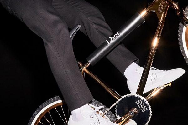 Gold-BMX_PAUSE2