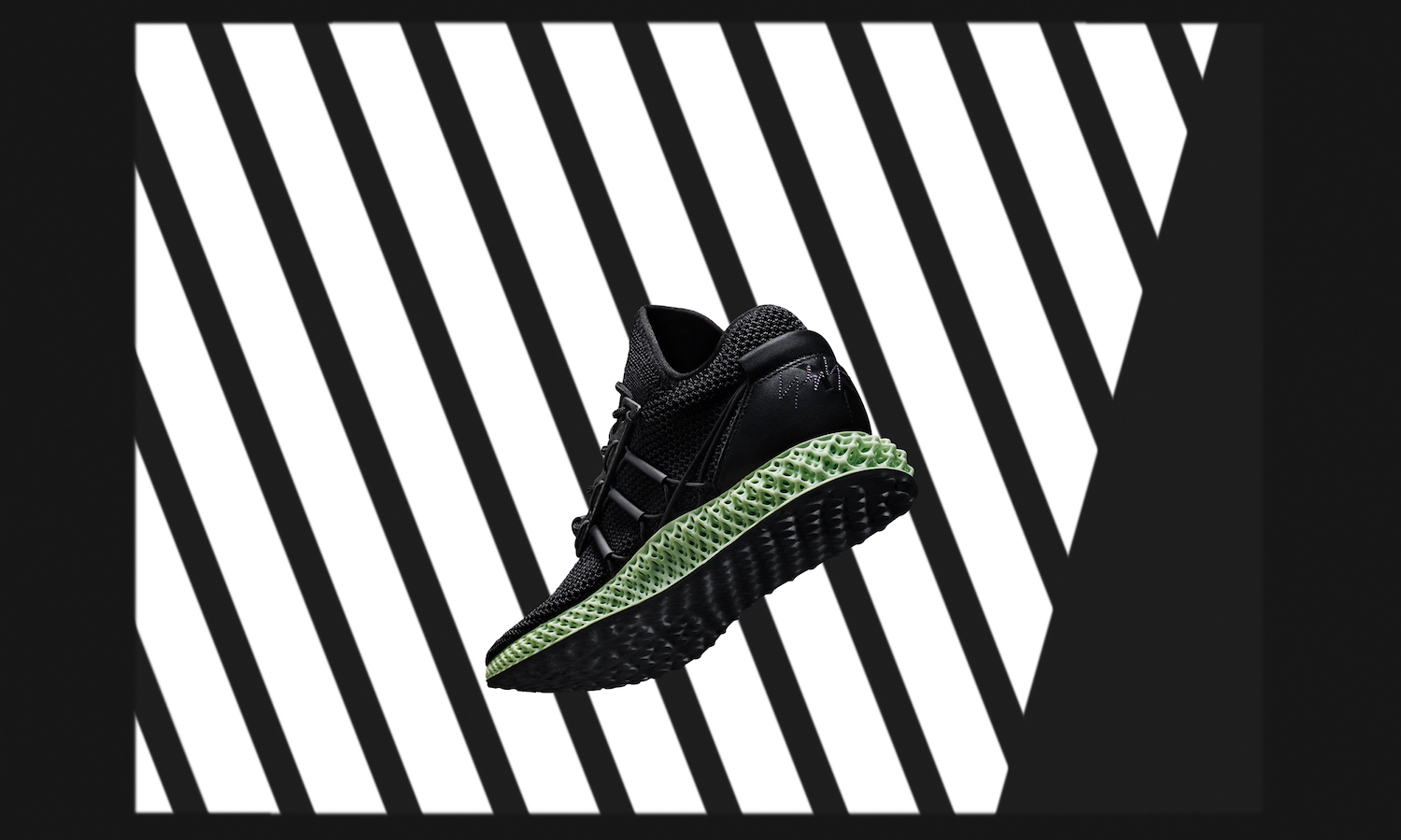 """Y-3 Unveils New """"Y-3 RUNNER 4D"""" for Autumn/Winter 2018"""