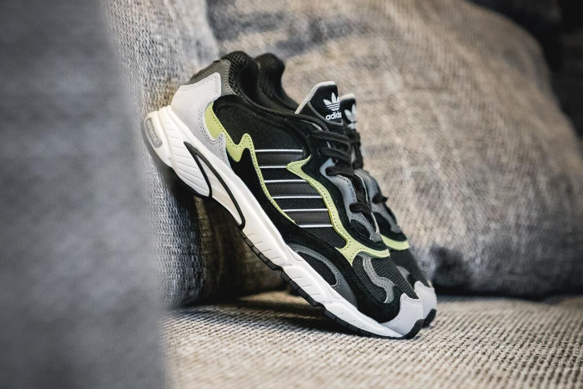"adidas Drops the Temper Run ""Core Black"""