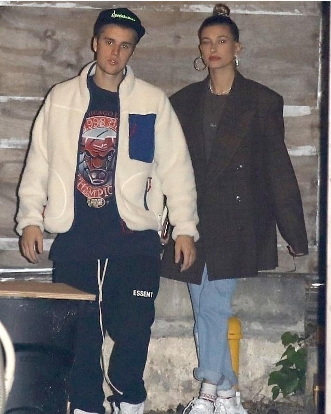 SPOTTED: Justin & Hailey Bieber Arriving at the Saban Theatre, Los Angeles