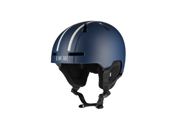 https___hypebeast.com_wp-content_blogs.dir_6_files_2020_11_dior-ski-gear-snowboard-helmet-1